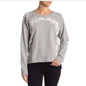 Lucky brand gray white floral sweater sz small